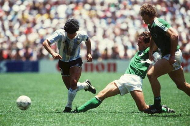 Argentina x RFA: coroar Maradona