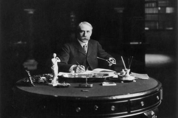Sir Edward Elgar e o cântico dos wolves