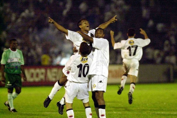 Vasco 4 x 3 Palmeiras: a virada do século