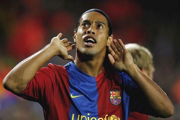 Real Madrid x Barcelona: A noite em que o Bernabéu se rendeu a Ronaldinho