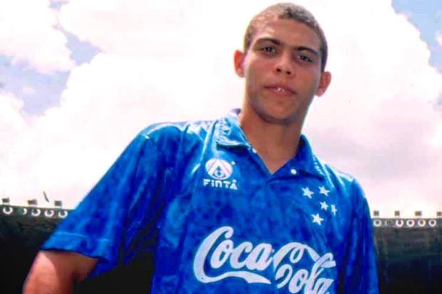 Com 17 anos, Ronaldo já era um 'Fenômeno'... E o Bahia sabe bem!