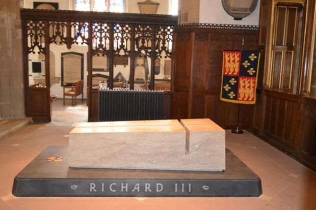 Quando o Leicester alcançou a coroa deixada pelo último rei inglês morto em combate