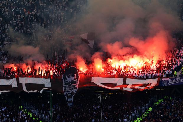 St. Pauli: modesto dentro de campo, adorado fora dele
