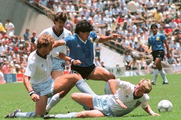 Argentina 2 x 1 Inglaterra: Maradona foi Deus com o pé e com a mão