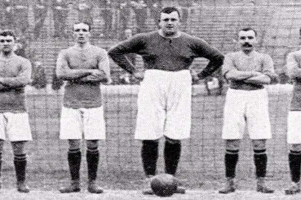 William 'Fatty' Foulke: o goleiro comedor de tortas