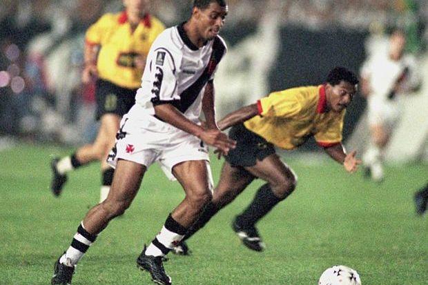 Barcelona 1 x 2 Vasco: quando o Vasco calou Guayaquil e dominou a América