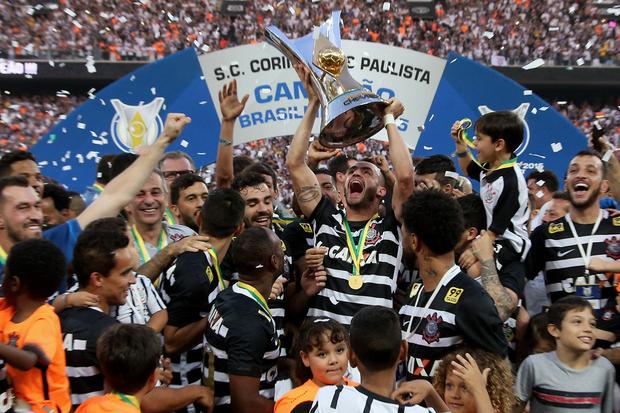 2015: Corinthians de Tite sobra e conquista o hexa