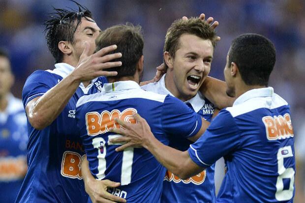 2013: Quando o time de '20 titulares' levou o Cruzeiro ao título