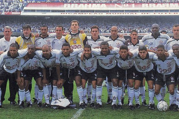 1998: o 'Super Corinthians' começa a dominar o Brasil