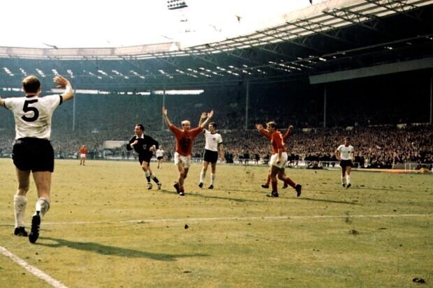 Inglaterra 4 x 2 Alemanha: com direito a 'gol fantasma', Inglaterra conquista o mundo